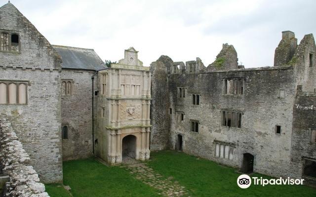 Beaupre Castle2