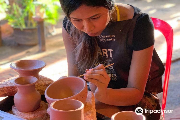 Khmer ceramics Fine Arts Centre1