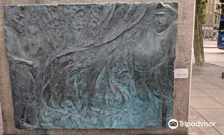 Heinrich Heine Denkmal3