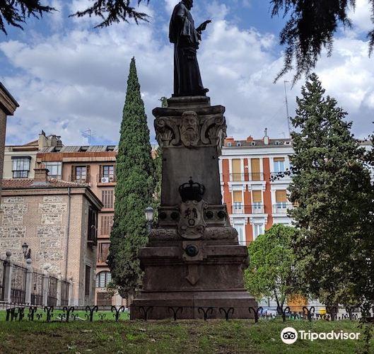 Lope de Vega Statue2