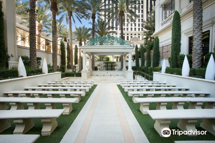 Caesars Palace Wedding Services1