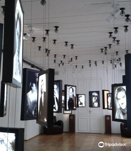 Studio Harcourt Paris3