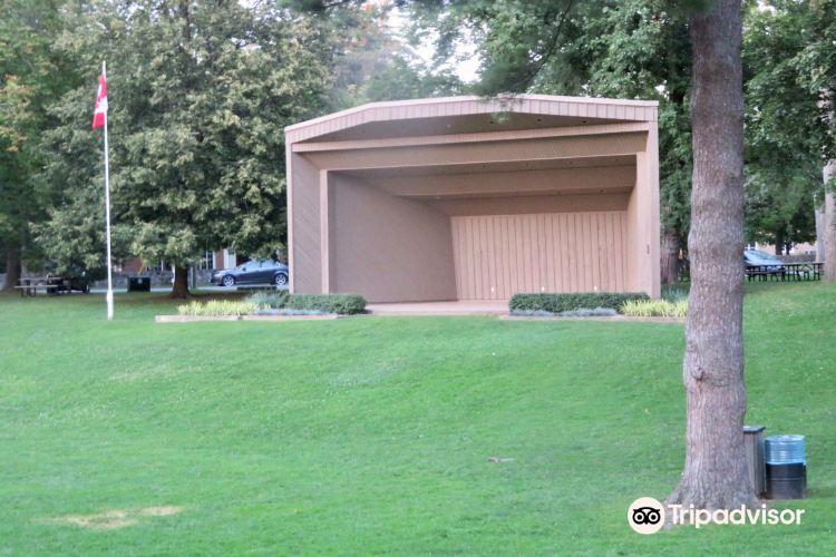 Simcoe Park4