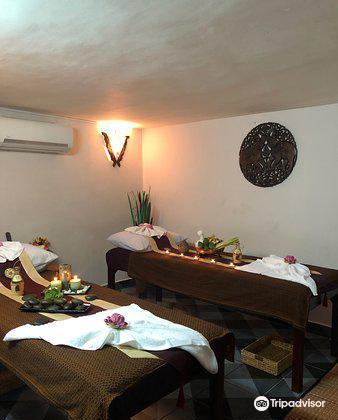 Aroha Spa & Massage
