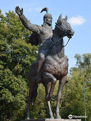 Monument to Manas Velikodushny1