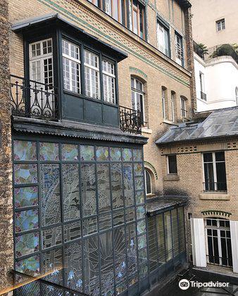 Studio Harcourt Paris1