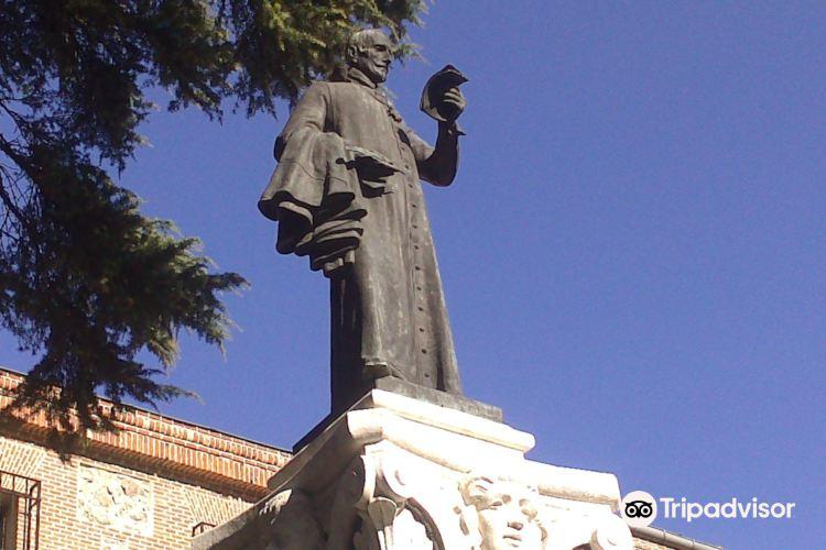 Lope de Vega Statue1