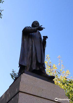 Sir Walter Watson Hughes Statue3