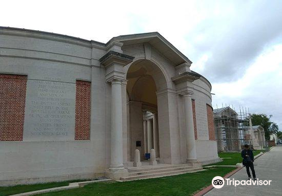 Faubourg-d'Amiens Cemetery4