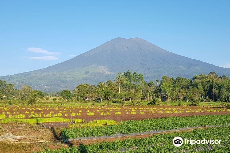 Mount Dempo1