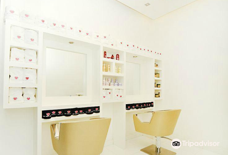 The White Room Beauty & Spa1
